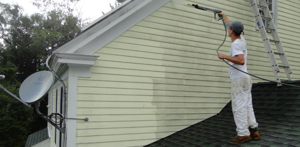 cleaning vinyl siding with your pressure washer dixon pressure washing